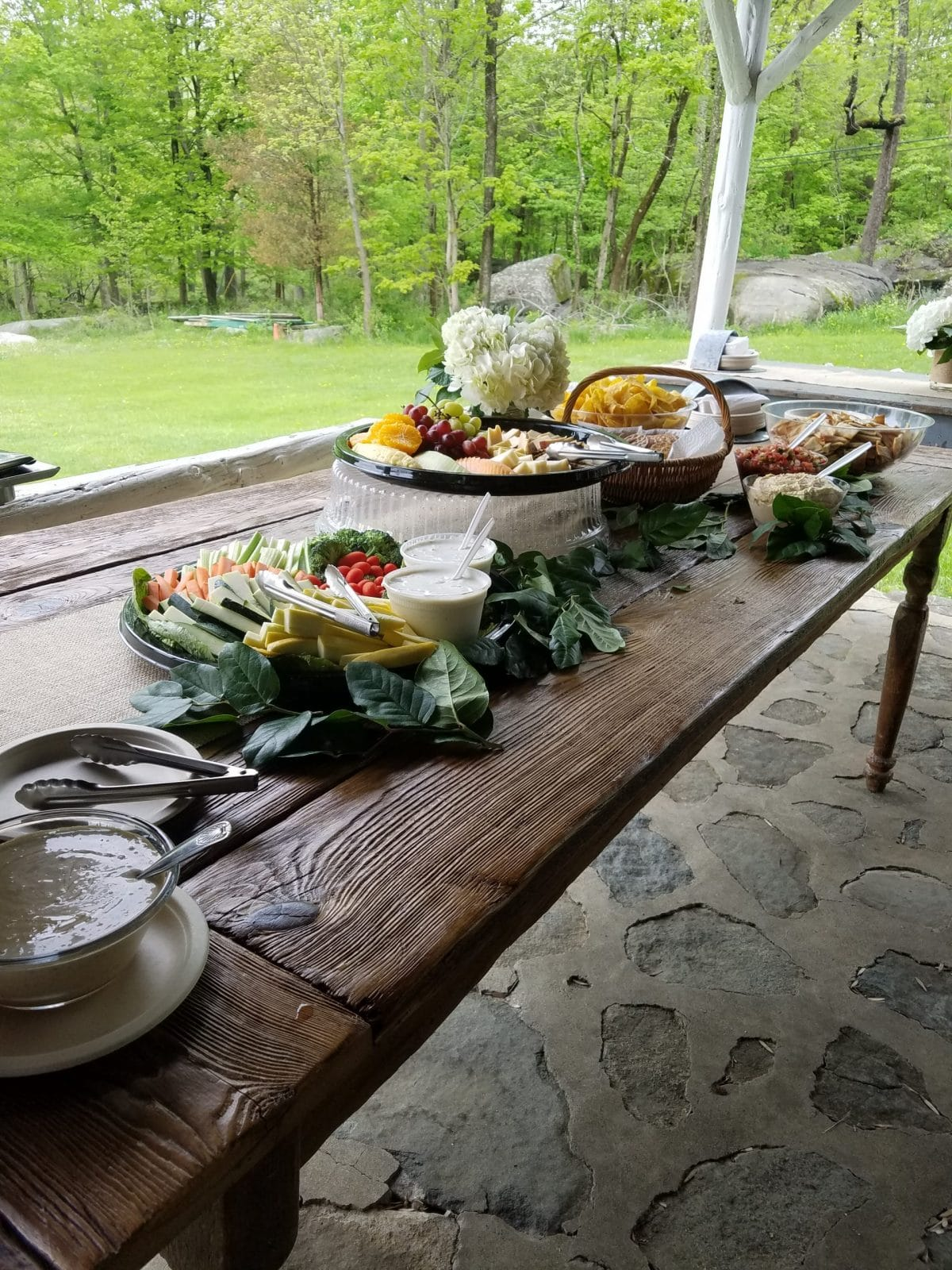 Wedding-appetizer-display-outdoors